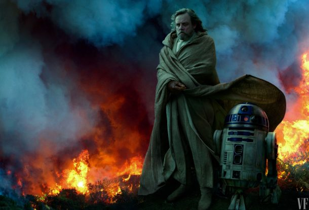 And a photo of Luke and R2. From the movie? Leftover photo from TLJ? It's mysterious!