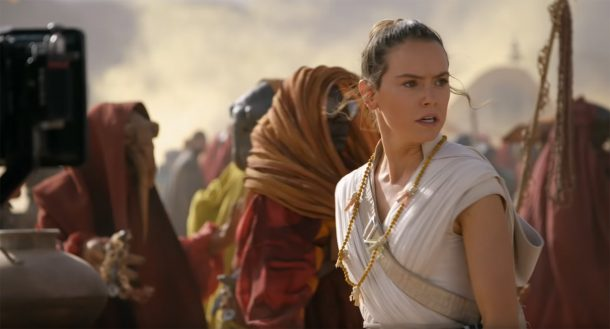 The Rise of Skywalker - Rey with necklace on Pasaana