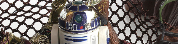 Artoo-Detoo (R2-D2) (With Extension Arm)