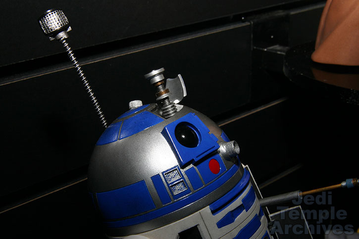 R2-D2 Statue - Page 4 02statues021
