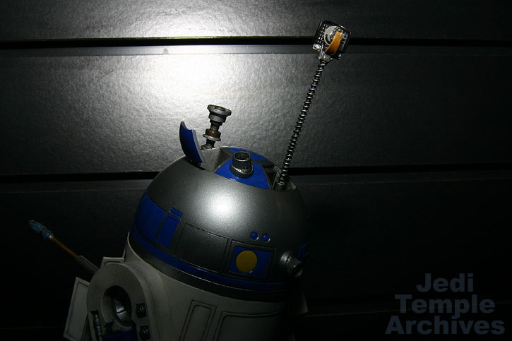 R2-D2 Statue - Page 4 02statues029