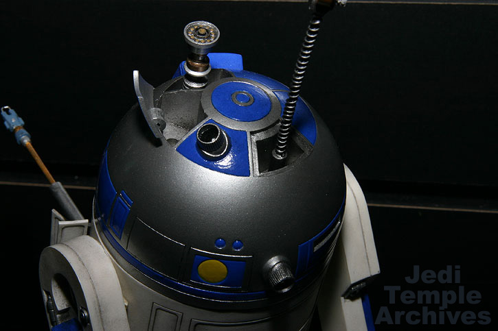 R2-D2 Statue - Page 4 02statues034